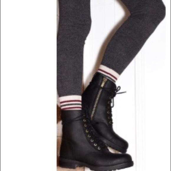 102c69ea679 ❤️New Ugg Kilmer Black Exposed Fur boots Sz 5.5 NWT